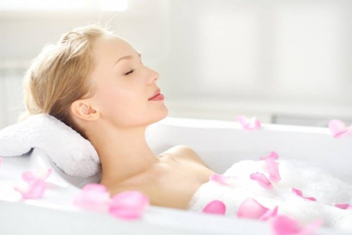 3 hành động khi tắm phụ nữ nhất định không được làm